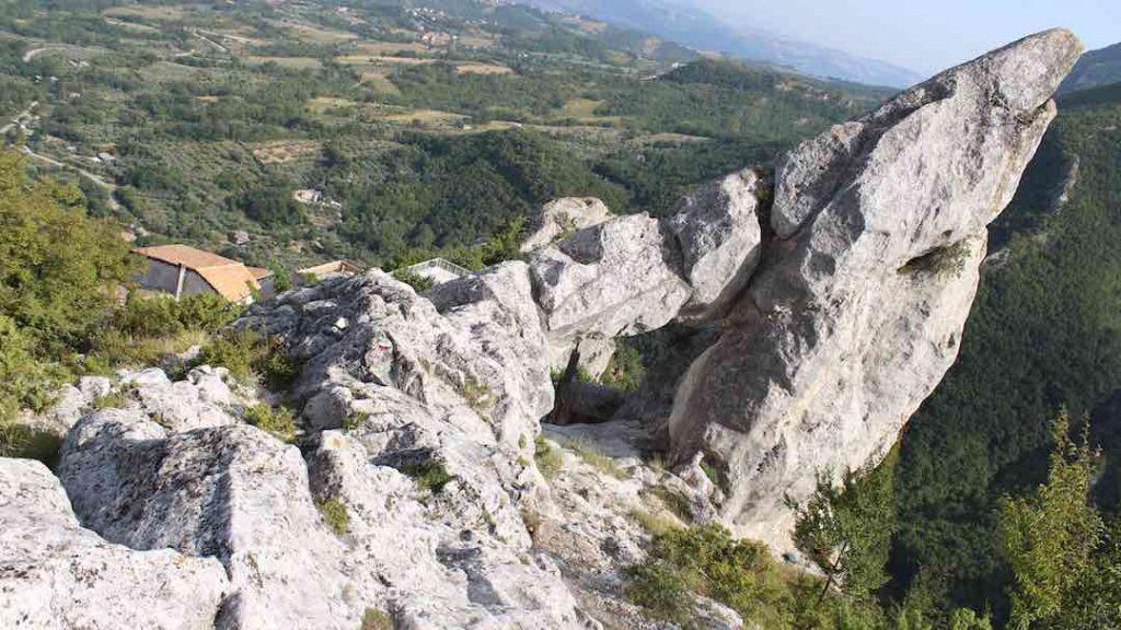 Bnb Lo Gnomo Pennapiedimonte Roccia